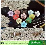 Schönes Metalljapanisches Sakura-Form-Emaille-Abzeichen