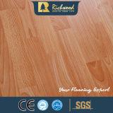 ビニール8.3mm E1 AC3はクルミの寄木細工の床によって薄板にされた木の木製のフロアーリングを浮彫りにした