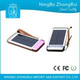 au côté courant d'énergie solaire avec 3 côtés de pouvoir de téléphone mobile de ports USB avec la lumière de torche