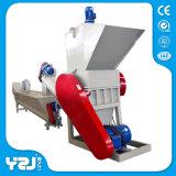 Überschüssige Plastikzerquetschung und Waschmaschine
