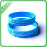 Debossed ou bracelets personnalisés estampés de silicones de mode avec le logo