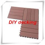 Плитка палубы фабрики дешевая DIY WPC (30X30) для напольного сада