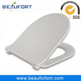 Enveloppe proche molle d'uF de forme de D au-dessus de cuvette de toilette de type