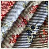 Bordado teñido hilado rayado algodón del bordado del poliester del bordado