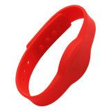 빨간 타원 실리콘 RFID Wristband 문 오프너를 위해 방수 처리하십시오
