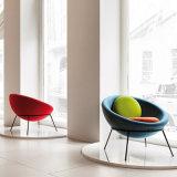 Cadeira macia do sofá da sala de visitas do estilo do lazer