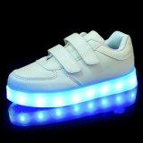 男女兼用LEDはつける平らな靴(幼い子供か大きい子供)を