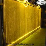 光ファイバ滝のカーテンの照明