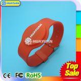 Bracelet intelligent d'IDENTIFICATION RF classique des silicones 1K de l'impression MIFARE de logo pour le waterpark