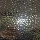 Feuille en aluminium gravée en relief par caillou