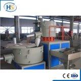 Granuli di plastica residui del Ce Tse-75 che fanno macchina