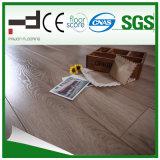 8mm ont gravé le plancher en relief de stratifié d'épreuve d'eau de surface pour la maison
