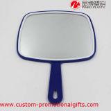 Il trucco lavora lo specchio poco costoso di plastica di rettangolo con la maniglia
