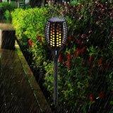 Lampe extérieure imperméable à l'eau de clignotement actionnée solaire de torche de patio de yard de jardin de lumière de pelouse de torche de la flamme DEL