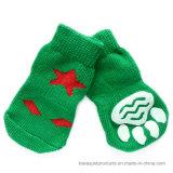 Accessoires 2017 d'animal familier d'arbre de Noël tricotant les chaussettes antidérapantes d'animal familier