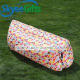 卸し売りたまり場の速く膨脹可能な空気ソファーの位置のベッドおよびキャンプの空気Loungerの不精なベッド