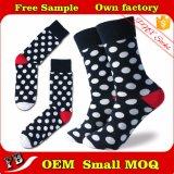 Kundenspezifischer warmer flockiger Mens-glückliche Socken