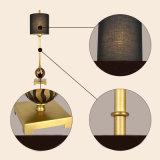 Lámpara de suelo de cobre amarillo lujosa antigua ligera moderna para el hotel