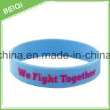 Vários Wristbands personalizados do silicone com projeto profissional livre