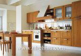 Высокая подгонянная мебель кухни двери шкафа лоска