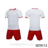 2017新しいデザイントレーニングサッカークラブ制服は、最高品質のメンズサッカージャージは、ブランクジャージーサッカーサッカー卸売を設定します。