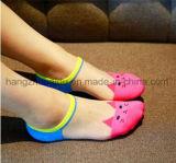 Горячее сбывание для женщин одевает носок отвесных чулков незримый