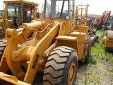 Sur pneus Caterpillar (966E)