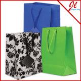 Sacs en papier blancs mats colorés lumineux de couleur de sacs à provisions