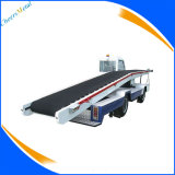 Bagagem do aeroporto e carregador das correias transportadoras da carga