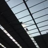 Hangar de structure métallique de grande envergure