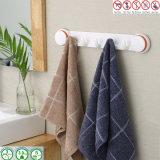 Copo da sução do vácuo do ar sobre os ganchos de suspensão de toalha da veste da porta
