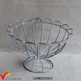 Cesta de fio decorativa do metal do Urn francês de Wirework do vintage