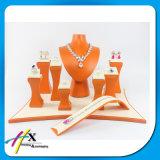 La visualización de acrílico del soporte de la joyería del diseño profesional valida pequeña orden