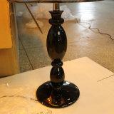 ホテルのプロジェクトのための磨かれた黒い樹脂のベッドサイド・テーブルランプ