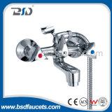 Двойник регулирует Faucet тазика крома смесителя тазика латунной установленный палубой