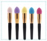 Cepillo/esponja cosméticos del polvo de las existencias para el maquillaje con la maneta