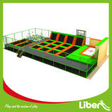 ChildrenおよびAdultsのための大きいIndoor Trampoline Park