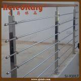 階段のためのステンレス鋼の手すりを柵で囲む住宅の屋内管
