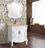 Einfacher Fußboden, der festes Holz-Badezimmer-Eitelkeit steht