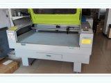 Corte de calidad superior del laser y máquina de grabado para el accesorio