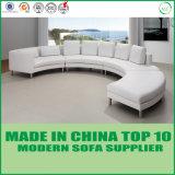 Sofà moderno di cuoio d'angolo bianco