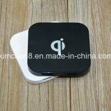 Carregador cobrando de Qi das portas do USB da almofada 2 do carregador Q8 sem fio