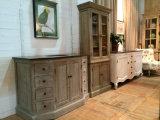 良質および豪華なキャビネットの時代物の家具