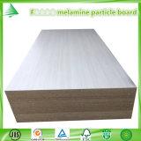 La mélamine de l'étoile 9mm de la qualité F4 a fait face au panneau de particules pour des meubles