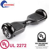 미국은 UL2272에 의하여 증명서를 준 Hoverboard 각자 균형을 잡는 스쿠터를 가진 전기 스케이트보드를 창고에 넣는다