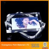 磁石のアクリルの額縁かプラスチックPMMAアクリルの写真フレーム