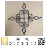 El panel de la flor del hierro labrado del nudo de China para la decoración