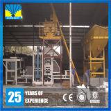 Tijolo concreto do cimento da construção que faz o equipamento