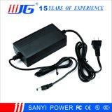 Escritorio-Tipo adaptador de la potencia del cargador de batería de la salida 12.6V5a