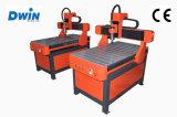 Niedrige Kosten-hölzerner Aluminiumacrylausschnitt CNC, der Gravierfräsmaschine bekanntmacht
